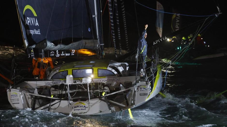 Im Ziel: Charlie Dalin beendet die Vendée Globe als erster Skipper - wird die Regatta aber wohl nicht gewinnen.