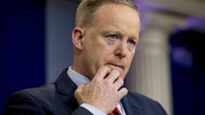 Bundesregierung kritisiert Trump-Sprecher für Nazi-Vergleich