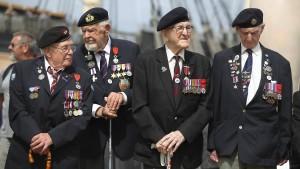 Theresa May beschwört westliche Allianz bei D-Day-Gedenken