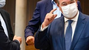 """Laschet warnt vor """"falscher Richtung"""" für Deutschland"""