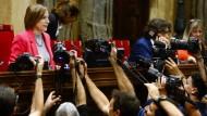 """Bezeichnet die Polizeigewalt gegen katalanische Bürger am Tag des Unabhängigkeitsreferendums als """"bisherigen Höhepunkt einer Spirale der Unterdrückung seitens des spanischen Staates"""": die katalanische Parlamentspräsidentin Carme Forcadell"""