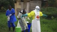 Die aktuelle Ebola-Epidemie in der Demokratischen Republik Kongo ist noch nicht gestoppt, bis Mitte Oktober starben 142 Menschen.