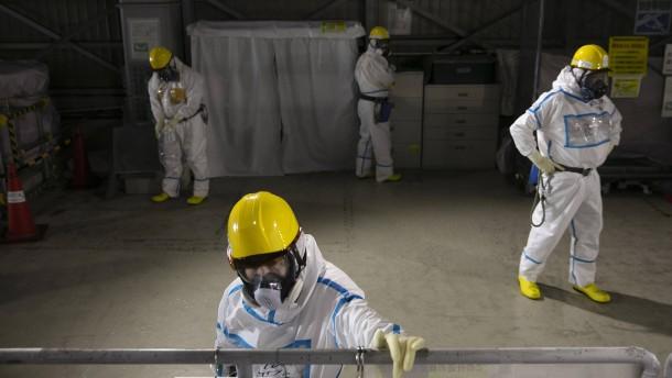 Riskanter Kampf gegen die Strahlung in der Atomruine