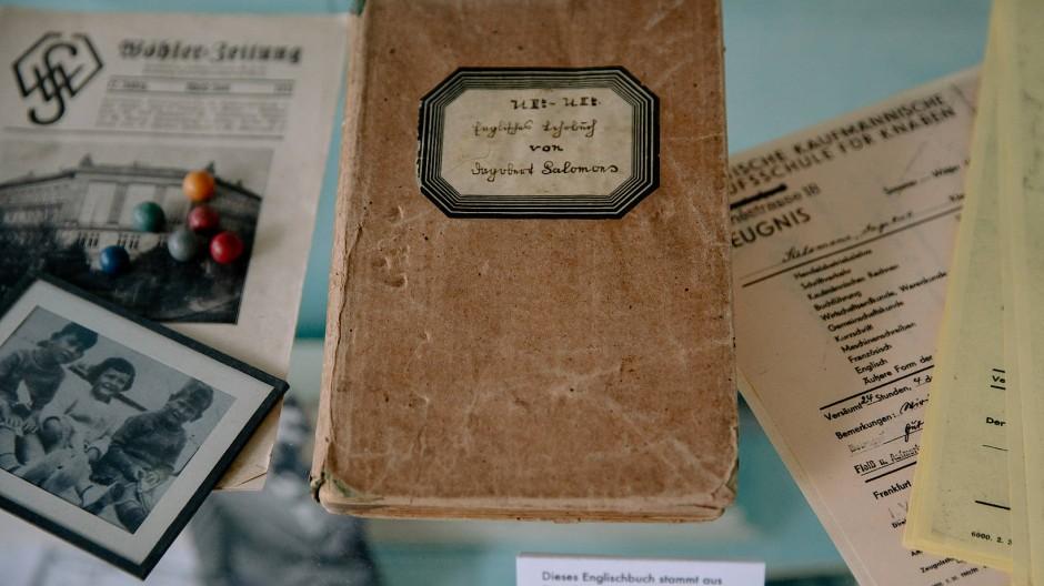 Dagoberts Englischbuch: Als der junge Mann 1938 nach Kolumbien floh, gab er es einem Freund, der es verwahren sollte.