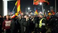 Staatssekretär sagt Treffen mit Pegida-Anhängern ab