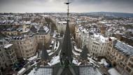 Wiesbaden von oben: Die Stadt bietet zu wenig bezahlbaren Wohnraum. Wird sich das nun ändern?