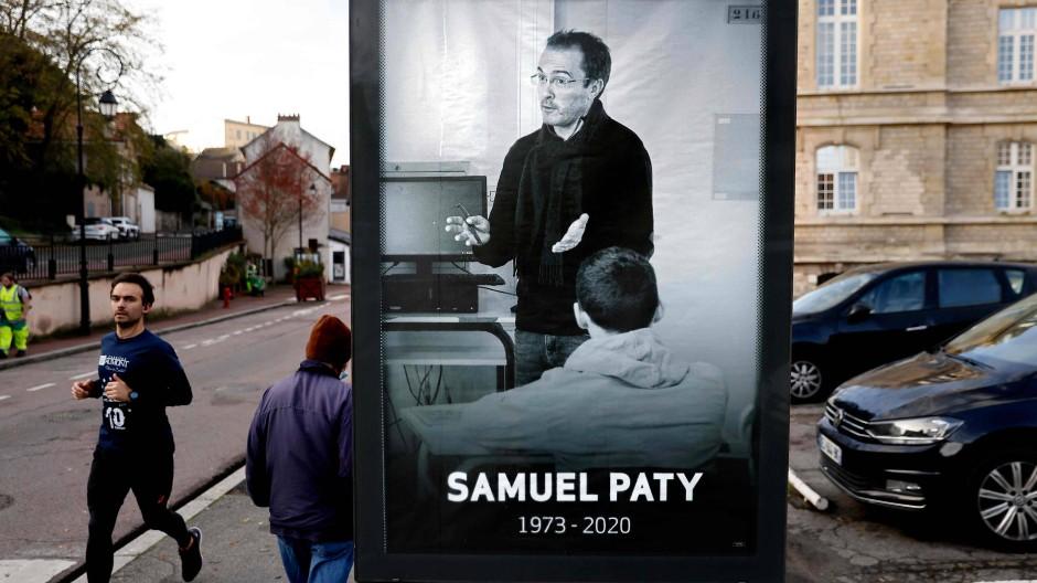 In Erinnerung an den ermordeten Lehrer Samuel Paty