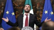 Salvini während einer Pressekonferenz
