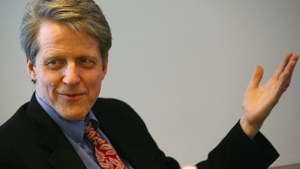 <b>Robert Shiller</b>, Yale professor, and chief economist and co-founder of <b>...</b> - robert-shiller