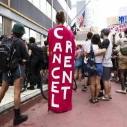 Demonstration in New York: Menschen fordern wegen der Covid-19-Pandemie ein Ausbleiben der Mietzahlungen.