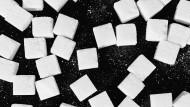 Wie die Parteien gegen Zucker und Fette im Essen kämpfen