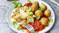 """Das Auge isst mit: Ricottabällchen in Sugo auf Blumenkohlsteak aus """"Vegan Low-Budget"""""""