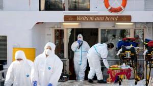 Menschen sollen Virus mit aufs Schiff gebracht haben