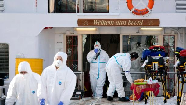 Reisende auf Rhein-Kreuzfahrtschiff erkrankt