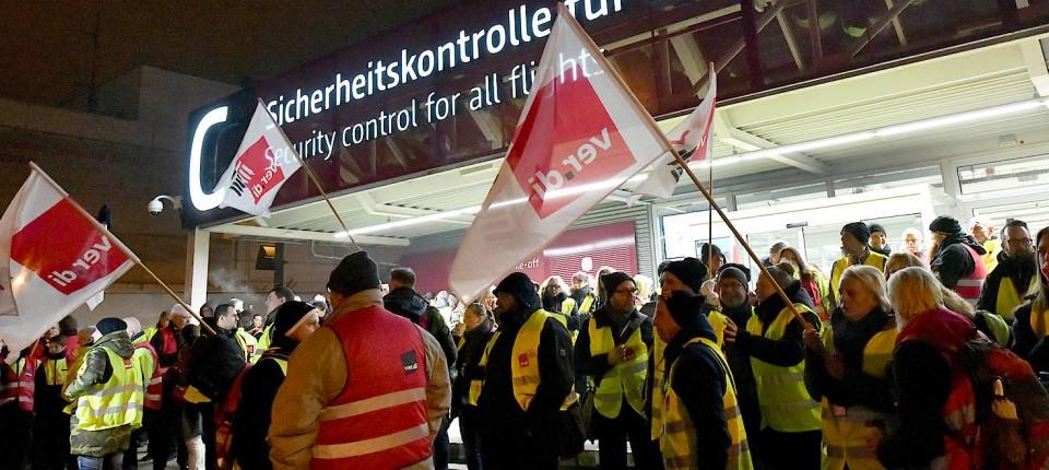 Flughafen Streiks An Drei Flughafen Wird Am Donnerstag Gestreikt