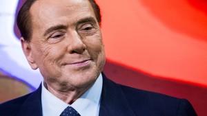 Berlusconi wegen Nierenkolik in Krankenhaus behandelt