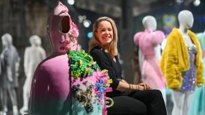 Modedesignerin wirbt für Jogginghose mit High-Heels