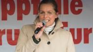Tatjana Festerling auf einer Pegida-Kundgebung in Dresden (Archiv)