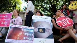 Irland erlaubt Abtreibungen in Ausnahmefällen
