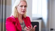 Schwesig: Kritik an Schröder Wahlkampfmanöver
