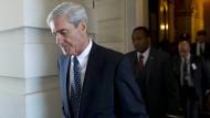 Robert Mueller verlässt das Kapitol in Washington im Juni 2017.