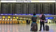Zahl der Sitzplätze reduziert: In diesem Winter werden in Frankfurt weniger Urlaubsflieger abheben als vor einem Jahr.