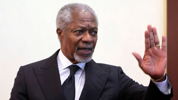 Kofi Annan, joint special envoy for the United Nations and the Arab League, gestures during a news conference at Sheremetyevo International Airport outside Moscow