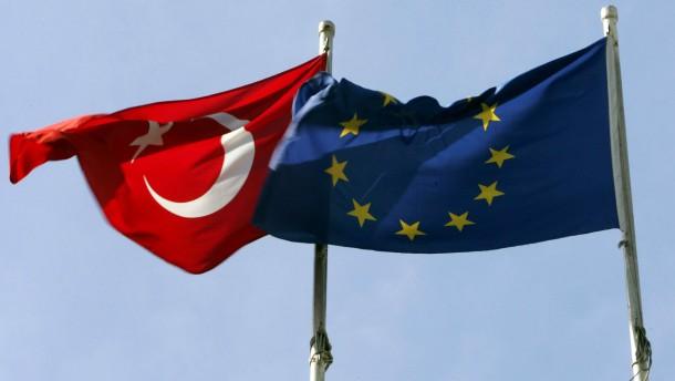 Brüssel: Verhandlungen mit Türkei wiederaufnehmen