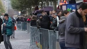 Hardcore-Fans campten acht Tage vor Apple Store
