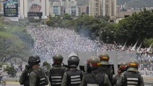 Oppositionsführer prangert Verhaftungen von Militärangehörigen an