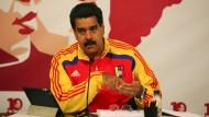 Der Sozialist Maduro sprach von einem elektrischen Putsch. Nach Angaben des Energieministeriums lag der Fehler an einer der Hauptstromleitungen des Landes.
