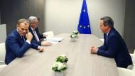 Gipfel-Tristesse: Ratspräsident Donald Tusk, EU-Kommissionschef Jean-Claude Juncker und der britische Premierminister David Cameron in Brüssel