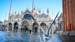 Venedig steht weiter unter Wasser