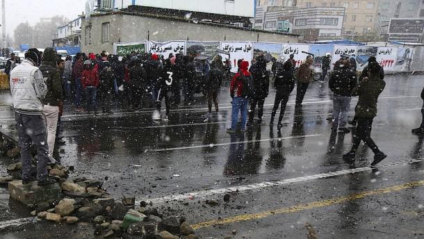Über 100 Tote bei Protesten