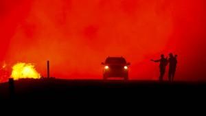 50.000 Menschen fliehen vor Waldbränden