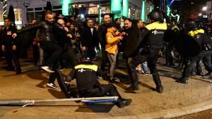 Niederlande schieben türkische Ministerin nach Deutschland ab