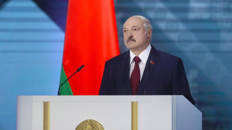 Bei seiner jährlichen Ansprache am Dienstag wirkte Lukaschenka deutlich angeschlagen.