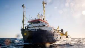 Sea-Watch rettet 65 Menschen