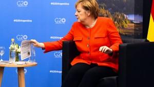 Australier amüsieren sich über Merkels Spickzettel