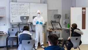 Warum werden nicht für alle Schulen Luftfilter gekauft?