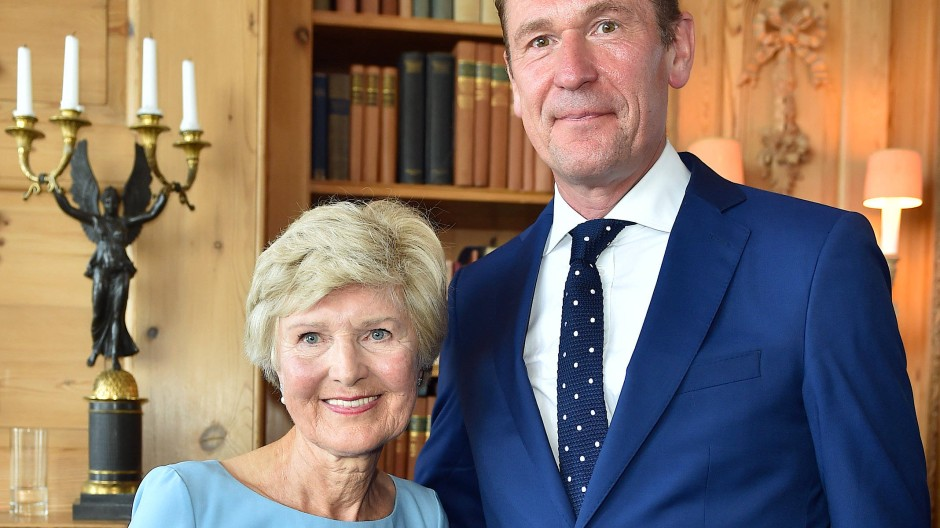 Schon 2017 eng befreundet: Der Vorstandsvorsitzende der Axel Springer AG, Mathias Döpfner, gratulierte der Medienunternehmerin Friede Springer damals zu ihrem 75. Geburtstag.
