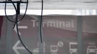Experten rechnen mit einer Eröffnung des neuen Flughafens frühestens im Jahr 2014