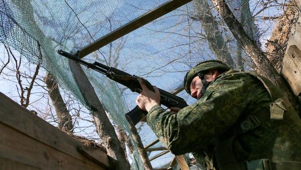 Russlands Truppenbewegungen machen Nato Sorgen