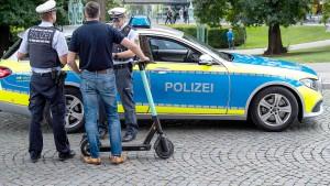 Kommunen und Verleiher vereinbaren Regeln für E-Scooter