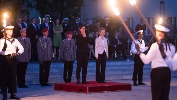 Vertrauter von Staatssekretärin soll halbe Million Euro erhalten haben