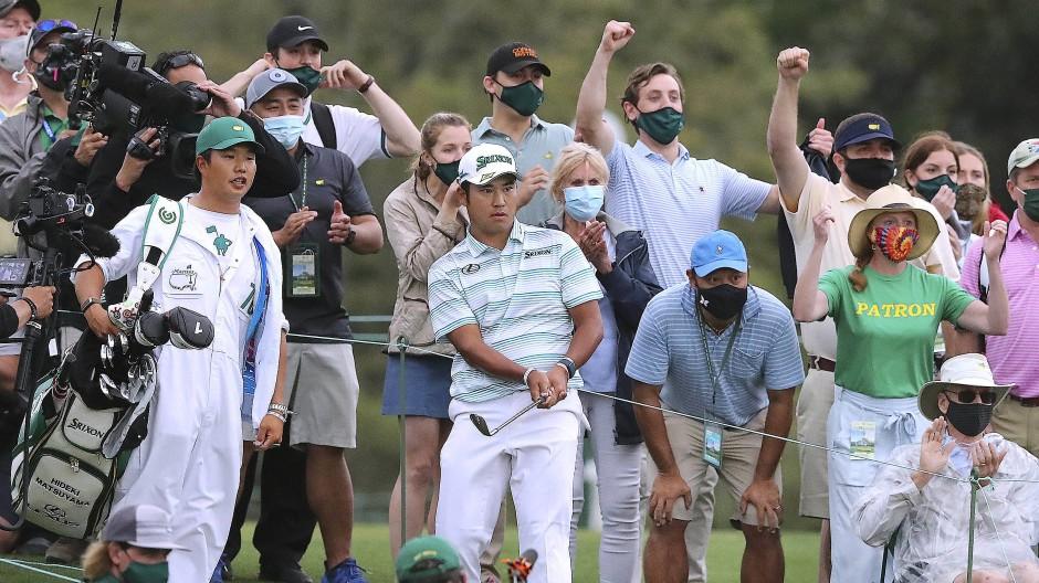Der japanische Golfprofi Hideki Matsuyama geht beim 85. Masters nach einer Traumrunde mit einer deutlichen Führung in den Finaltag.