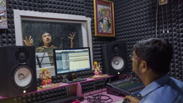 """Indiens hasserfüllter """"Safran-Pop"""""""