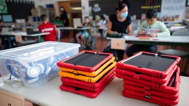 Nur wenig Geld aus Digitalpakt für Schulen ausgezahlt