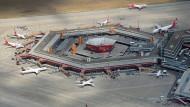 In der jüngsten Vergangenheit hat sich Verkehrsminister Dobrindt immer häufiger für den Flughafen Berlin-Tegel ausgesprochen.