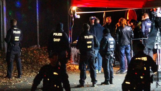 Polizei geht in Hagen gegen mehr als 170 Rocker vor